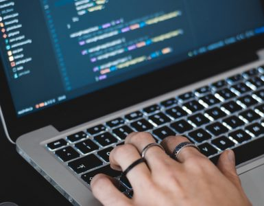 hacker AltumCode/pexels